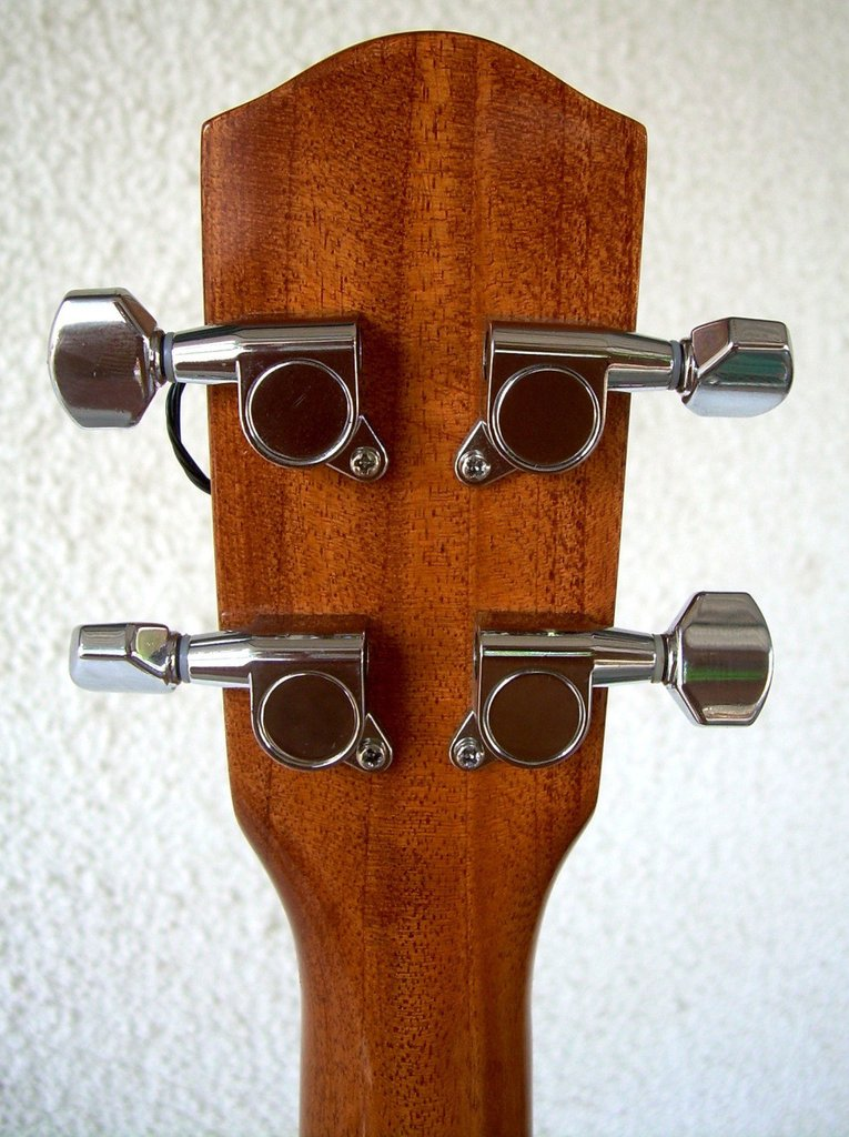 Ukulele Tenor by Luthier Alfonso Sandoval
